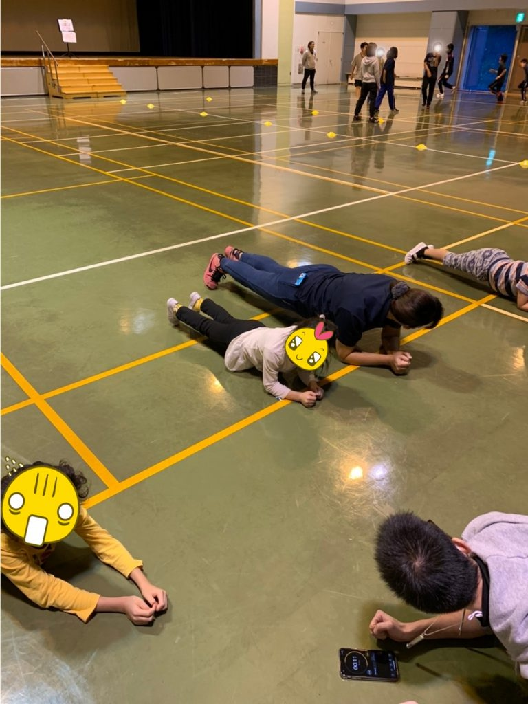 自宅でも簡単!?体幹トレーニング!!